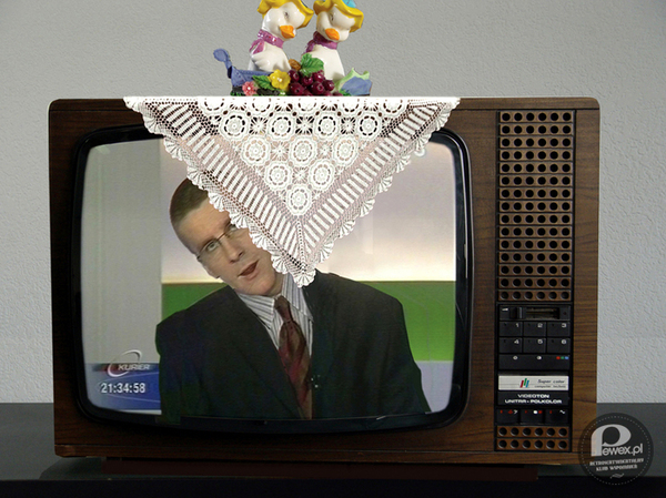 Serweta na telewizorze – U babci element obowiązkowy
